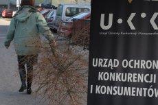 Oszukani na choinkach żądają zwrotu pieniędzy lub wymiany drzewka na nowe - podaje UOKiK.
