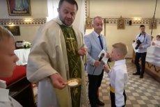 Ksiądz wyjaśnił dziecku, że jest porażką.