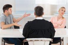 Sąd zadecyduje, komu przyzna prawa do kontaktu ze znajomymi.