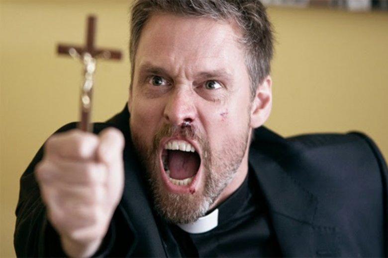 Proboszcz z konina wyrzucił z kościoła ministranta za tolerancję.