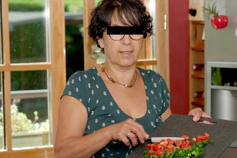 Policja zatrzymała groźną szantażystkę przetrzymującą rodzinę przy wigilijnym stole.