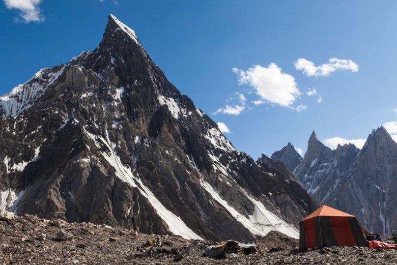Na zdjęciu K2, drugi po Nanga Parbat, cel wypraw Polskiego Hejterskiego Himalaizmu Zimowego.
