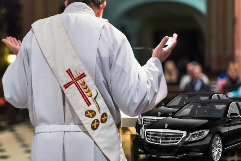 Ksiądz na mszy odczytał, kto ile dał samochodów na kolędzie.