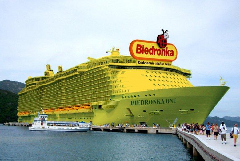 Statek Biedronki w całej okazałości.